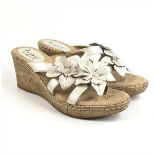 B.O.C. BY BORN JAMAICA WEDGE SANDAL WITH FLOWERS
